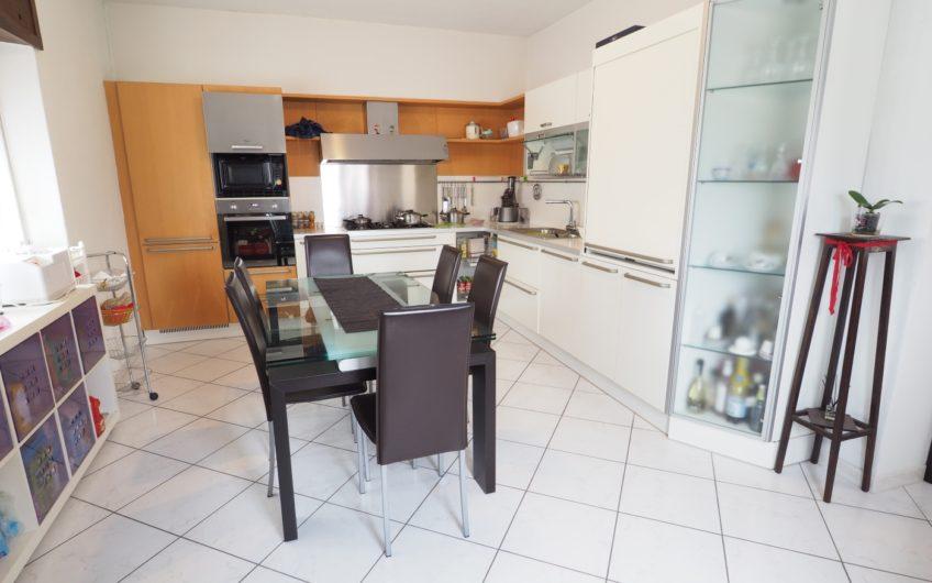 Appartamento di 140 mq con terrazza, giardino e box di 70mq!