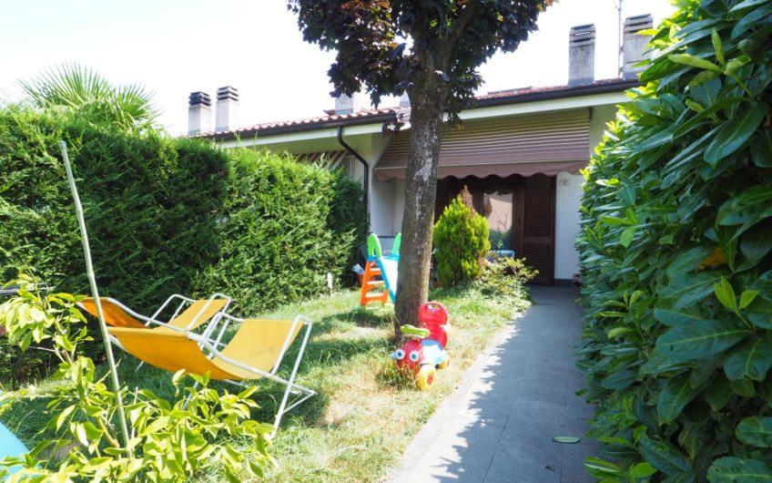 Villetta a schiera con giardino!