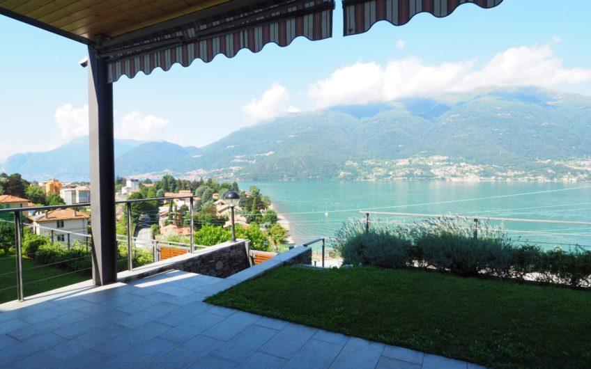 Meraviglioso 120 mq con giardino e stupenda vista Lago!
