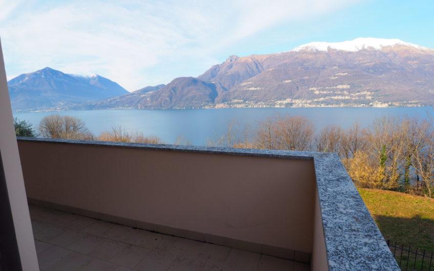 Meraviglioso 120 mq con terrazza vista Lago!