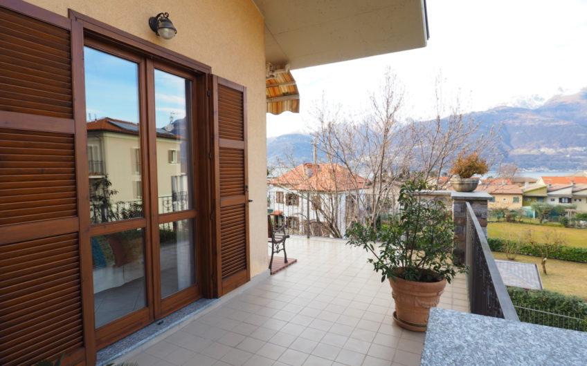 Centralissima Villa indipendente con giardino!