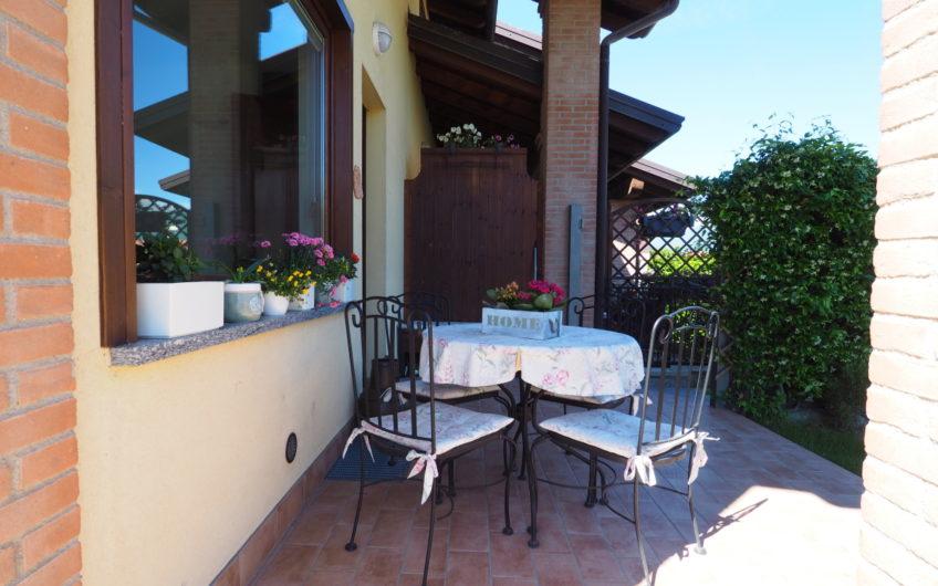 Centralissima, ottima Villetta con giardino!