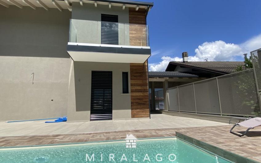 Nuova villa con piscina