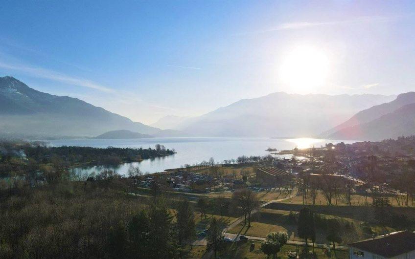 Stupenda villa vista lago