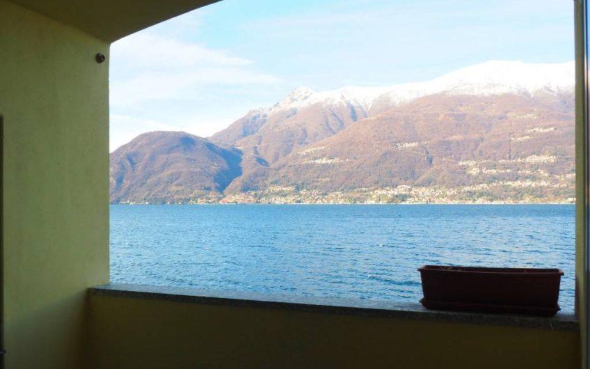 Riva lago, Bilo con balcone!