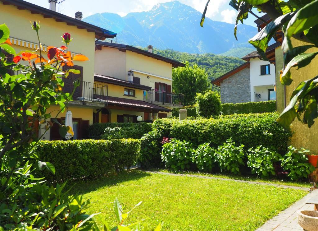 Bilo con giardino e piscina immobilire miralago for Giardino lecco