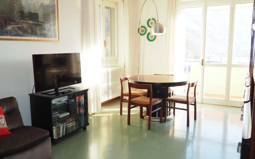 Grande appartamento con 3 camere, Vista Lago!